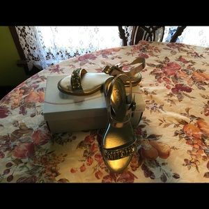 Easy Spirit Shoes - Easy Spirit gold colored dress sandals, size 10W